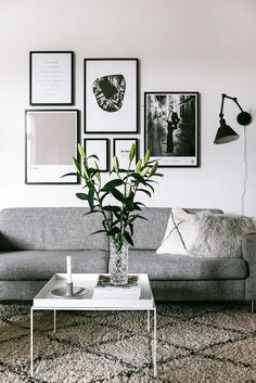 Tavelvägg Interior Design Inspiration, Decor Interior Design, Room Interior, Colour Blocking Interior, Eclectic Furniture, Scandinavian Home, New Room, Living Room Decor, Home Decor