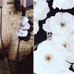 White Flowers  .  .  .  .  .  #ablarteitalia #flowers #ceramics #white #black #leather #necklace #handmade #jewelry #jewellerydesign #design #madeinitaly #bologna #nature #christmas #night #fashion Christmas Night, Bologna, Leather Necklace, White Flowers, Jewerly, Handmade Jewelry, Black Leather, Table Decorations, Nature