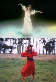 kate bush Wuthering Heights dance - Google-haku Kate Bush Wuthering Heights, Camp Bestival, Women Of Rock, Pop Rocks, Just Dance, Female Singers, Electronic Music, Pop Music, I Love Fashion