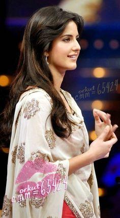 Katrina.... Katrina Kaif Wallpapers, Katrina Kaif Images, Katrina Kaif Photo, Katrina Pic, Beautiful Bollywood Actress, Beautiful Indian Actress, Beautiful Actresses, Beautiful Women, Indian Celebrities