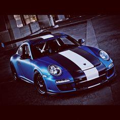Porsche 911. Yes!
