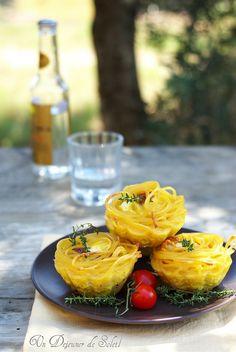 Frittatine di pasta imbottite. Crispy pasta omelette ©Edda Onorato