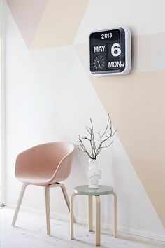 pared geometrica rosa