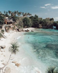 Nusa Lembongan & Nusa Ceningan a complete guide by Maya Gypsy Nusa Ceningan beaches Crystal Dive Award Winning 5 Star Scuba Diving on Tropical Koh Tao in Thailand.c … go link to read more… Beach Aesthetic, Travel Aesthetic, The Places Youll Go, Places To Go, Places To Travel, Travel Destinations, Nusa Ceningan, Cap Vert, Voyage Bali