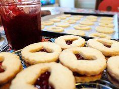 Avent 2015 #2 - Linzer augen. #biscuits #Noël #bredele #amandes #framboises