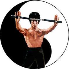 Bruce Lee- Kung Fu - Nunchuck by gdsfgs on DeviantArt Bruce Lee Photos, Jackie Chan, Arte Bruce Lee, Bruce Lee Frases, Dragon Fight, Bruce Lee Martial Arts, Jeet Kune Do, Jet Li, Ju Jitsu