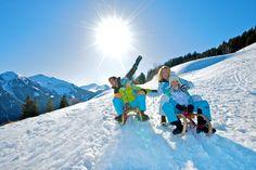 Skiurlaub in Saalbach Der Bus, Apres Ski, Mount Everest, Skiing, Mountains, Nature, Travel, Ski Resorts, Ski Trips