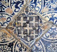 interlocking tiles? spain 15th century Valencia Inventario: FC.1994.02.159