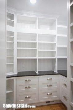 Creative And Inspiring Pantry Design Ideas 14 Kitchen Pantry Storage, Pantry Room, Kitchen Pantry Design, Walk In Pantry, New Kitchen, Kitchen Decor, Pantry Organization, Kitchen Shelves, Walkin Pantry Ideas