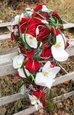 Brautstrauß mit Orchideen #Brautstrauß #wedding gesehen auf www.dieblumenoase.de