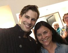 Here are some NEW Fan Pics of David Berry and Diana Gabaldon at The 2017 Sassenach Gathering and The Surrey International Writers Conference More after the jump! Outlander Serie, Outlander Season 3, Outlander Casting, Voyager Outlander, Outlander Quotes, Diana Gabaldon Outlander, Claire Fraser, Jamie Fraser, Christian Grey