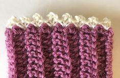 Crochet wrist warmers Fingerless Gloves Crochet Pattern, Crochet Headband Pattern, Crochet Mittens, Fingerless Mittens, Crochet Hats, Loom Knitting Patterns, Knitting Stitches, Hand Knitting, Knitting Tutorials