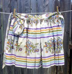 Marianne Vintage Waist Apron with Pocket