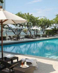 Shangri-La Bangkok ( Bangkok, Thailand ) Like many of the hotel's amenities, the relaxing pool has a river view. #Jetsetter