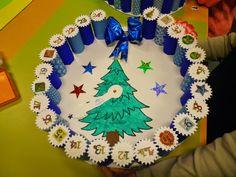 Calendrier de l'avent réalisé avec des rouleaux de papier toilette Christmas Fun, Christmas Ornaments, Holiday, Theme Noel, Advent Calendar, Calendar Ideas, Gingerbread, Activities, Crafts