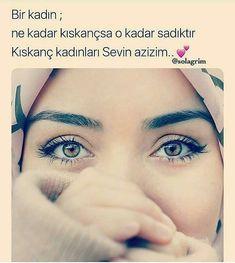 Görüntünün olası içeriği: bir veya daha fazla kişi, yazı ve yakın çekim Beautiful Muslim Women, Beautiful Words, Yazoo, Allah Islam, Cool Words, Cool Designs, Feelings, My Love, Quotes