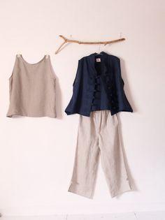 ÉTÉ tenue lingerie débardeur gilet pantalon à la main pour mesurer la petite au plus la taille d