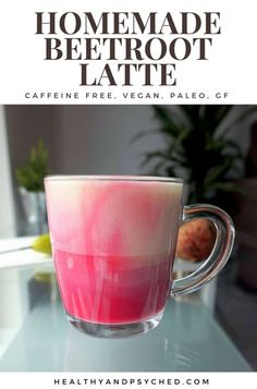 This homemade beetroot latte is sure to put a smile on your face. Only 3 ingredients. Vegan, gluten-free and paleo options. Beet Recipes, Healthy Recipes, Tuna Recipes, Drink Recipes, Coffee Bad For You, Smothie, Eggs Low Carb, Coconut Oil Weight Loss, Beetroot Powder