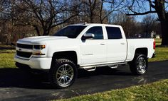 "2016 Chevy Silverado 6"" inch lift, 22"" inch wheels"