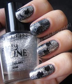 Betty Nails: Freestyle Nails - Spiders and Webs [Crumpet's Nail Tart Halloween Challenge 2012]
