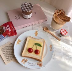 Cafe Food, Food N, Food And Drink, Cream Aesthetic, Aesthetic Food, Tasty, Yummy Food, Sweet Tooth, Food Photography
