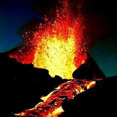 Camille a composé cet instrumental en pensant au volcan de la fournaise à la réunion !