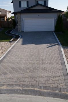 Gallery - Hardscapes   Winnipeg Paving Stone and Retaining Wall Installer
