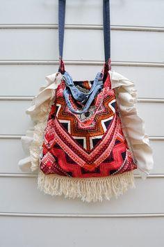 Fringe Upcycled Modern Hobo Boho Bag Purse por WiseSewcialTies