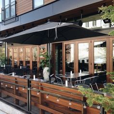 steel patio fence for restaurant Outdoor Restaurant Design, Restaurant Exterior Design, Café Restaurant, Industrial Restaurant, Cafe Seating, Patio Seating, Cafe Design, Patio Design, Café Exterior
