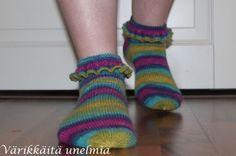Värikkäitä unelmia: Frilla sukat (+ohje)