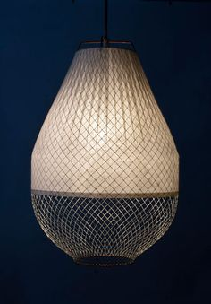 I think I'm a little obsessed...love Atelier Rick Tegelaar's work! #Meshmatics Length: 50 centimeters / 20 inches Diameter: 32 centimeters / 12.5 inches Materials: Chicken wire, bamboo paper, aluminum, copper. Colour: White with grey cord Weight: 500 grams / 1.1 pounds Standard...