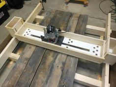 Slab planing with a router.: