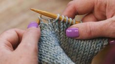 Make-one or in knitting is a common increase that is mostly invisible. It can be a little tricky at first but these instructions make it a snap. M1l Knitting, Baby Hats Knitting, Knitting Stitches, Knitting Needles, Hand Knitting, Knitted Hats, Knitting Patterns, Knitting Tutorials, Knitting Ideas