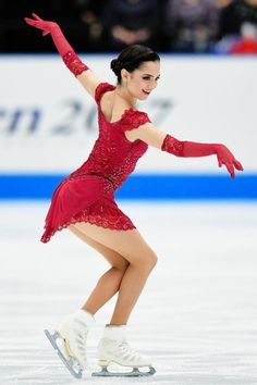 Evgenia Medvedeva has switched programs: Anna Karenina LP she skated at the JO is now her LP for the Olympic season. It also used to be an exhibition number.