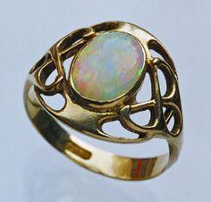 MURRLE BENNETT & CO Jugendstil Ring   Gold  OpalMarks: 'MBC' & '18ct'German, c.1900Ring Case