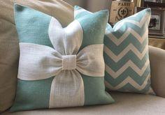 подушка с бантом