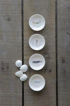 *Fave* Creative Co-Op - Round Dolomite Dish w/ Sea Life Image, 4 Styles. Marker, Ocean Home Decor, Coastal Decor, Beach Ornaments, Southern Boutique, Creative Co Op, Fall Table, Luxury Home Decor, Life Images