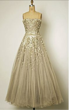 Vintage 1954 Christian Dior gown...so beautiful!