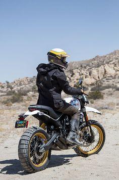 Ducati Scrambler - Cafe Racer / Desert Sled