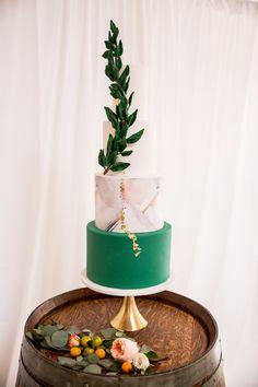 Sweet Citrus + Modern Event Design #weddingcake #cake #weddinginspiration