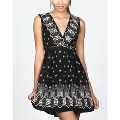 Anna Sui Silk Wrap Dress Anna Sui for Target beautiful silk wrap dress has a v-neck front, flattering wrap front, knee length. Add a blazer for work to tone down print or wear with sandals for summer break.   100% silk shell fully lined 100%. Anna Sui Dresses Midi