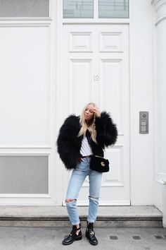 Discover recipes, home ideas, style inspiration and other ideas to try. Capsule Outfits, Capsule Wardrobe, Winter Looks, Winter Mode, Best Jeans, Fashion Lookbook, Trends, Fashion Outfits, Womens Fashion