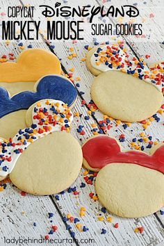 Disneyland Food, Disney Food, Disney Desserts, Disneyland Vacation, Disney Recipes, Disney Stuff, Minnie Mouse Cookies, Disney Cookies, Sugar Cookies Recipe