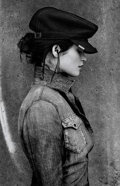 5 filles, 5 chapeaux