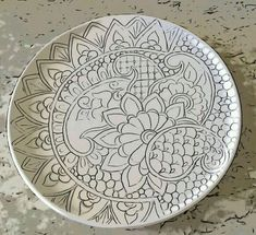 Innovations for Interior Designs with Ceramics Painted Ceramic Plates, Ceramic Spoons, Ceramic Tableware, Hand Painted Ceramics, Ceramic Painting, Blue Pottery, Pottery Plates, Ceramic Pottery, Pottery Art
