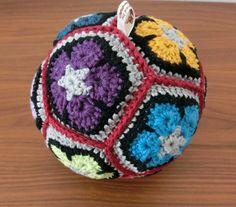 Crochet ball that rattles for baby - granny squares Crochet Ball, Granny Squares, Coin Purse, Purses, Baby, Handbags, Baby Humor, Purse, Infant