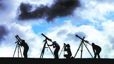 Doce eventos astronómicos que veremos en 2017 El 4 de enero, la Tierra pasa por el punto de su órbita más cercano al sol, conocido como perihelio. El paso por este punto tendrá lugar a las 10: ... http://sientemendoza.com/2016/12/31/doce-eventos-astronomicos-que-veremos-en-2017/