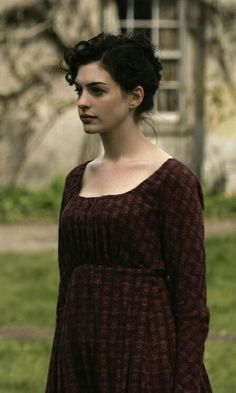 As a biopic of Jane Austen and as a bittersweet Regency romance, Becoming Jane does an admirable job. Anne Hathaway, Jane Austen Movies, Vintage Outfits, Vintage Fashion, Becoming Jane, Regency Era, Portraits, Movie Costumes, Pride And Prejudice