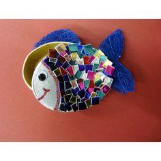 Fische basteln Personal Branding Strategy, Social Media Marketing, Burlap, Christmas Ornaments, Holiday Decor, Fun, Animals, Dinosaur Crafts, Rainbow Fish