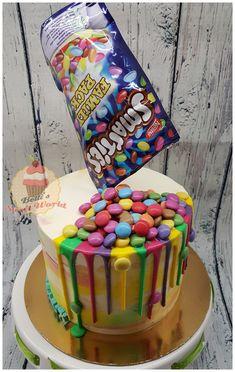 #smartiescake #smartiesdripcake #dripcake #nofondantcake #gravitycake